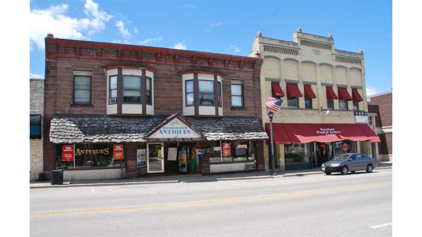37 N Main St Deerfield, WI 53531 by Re/Max Property Shop $220,000