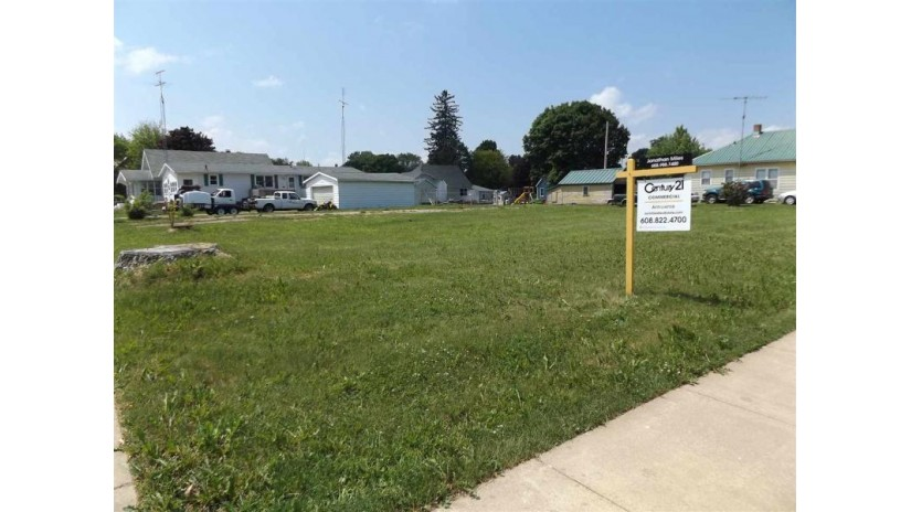 480 Lincoln Ave Fennimore, WI 53809 by Century 21 Affiliated $33,000