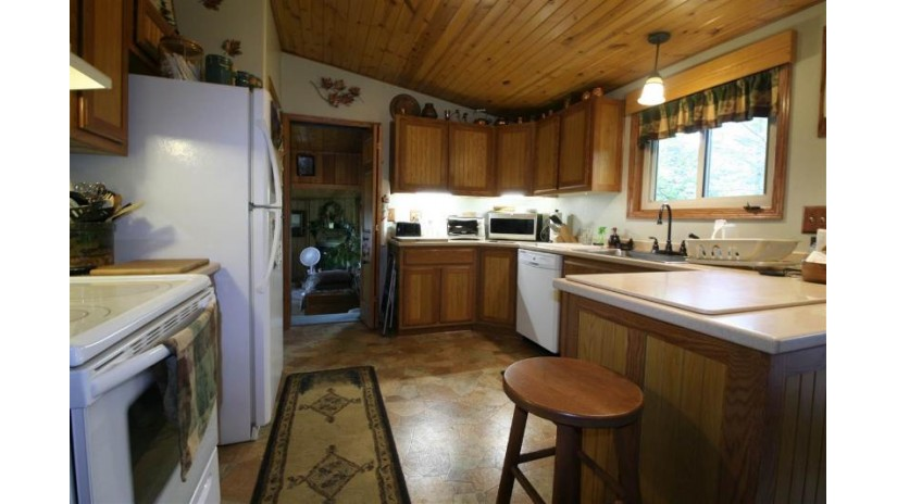 W6398 39th St E Clearfield, WI 53950 by First Weber Inc $289,900