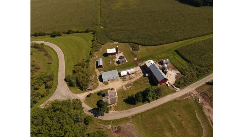 4264 N Birch Tr Cross Plains, WI 53528 by First Weber Inc $7,500,000