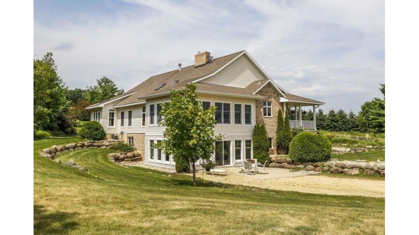 2155 Spring Rose Rd Springdale, WI 53593 by Restaino & Associates $998,000