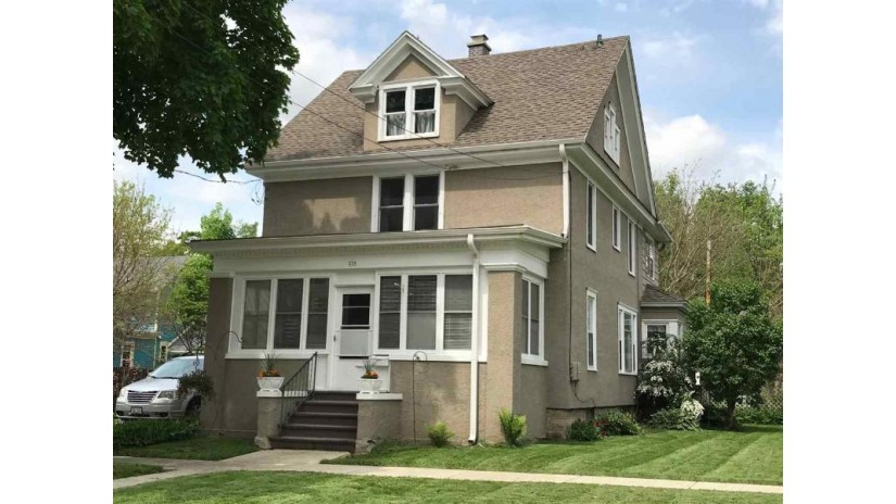 230 W Prairie St Columbus, WI 53925 by Tri-County Real Estate, Inc. $124,900
