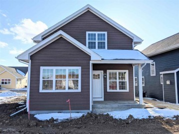 638 Burnt Sienna Dr, Madison, WI 53562