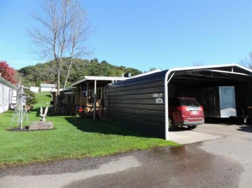 118 Pine St 34, Richland Center, WI 53581