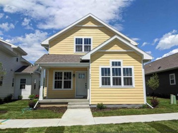 644 Burnt Sienna Dr, Madison, WI 53562