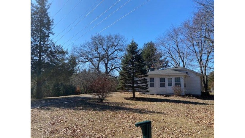 723 Clara Ave Lake Delton, WI 53965 by Weichert, Realtors - Great Day Group $248,000