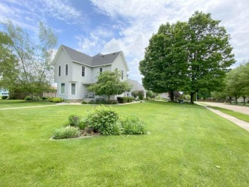 2404 13th Ave, Monroe, WI 53566