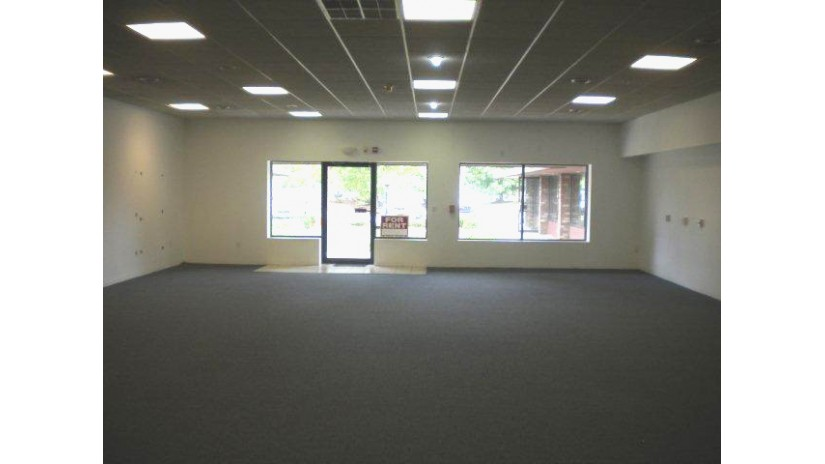 4060 N Main St Caledonia, WI 53402-3121 by Shorewest Realtors $1,000