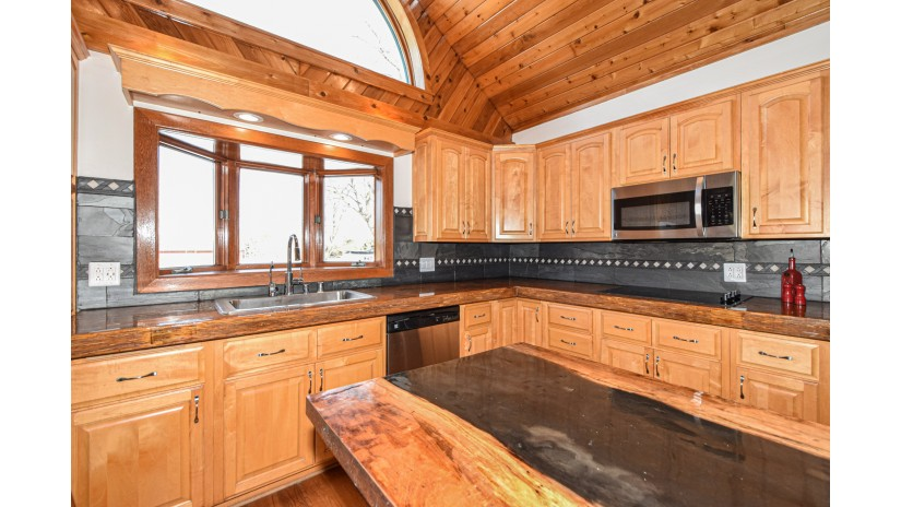 14800 Braun Rd Yorkville, WI 53177-3007 by Shorewest Realtors $999,000