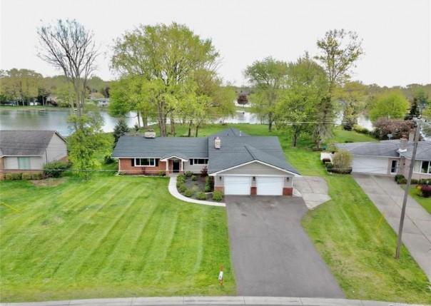 9165 Steephollow, White Lake, MI, 48386